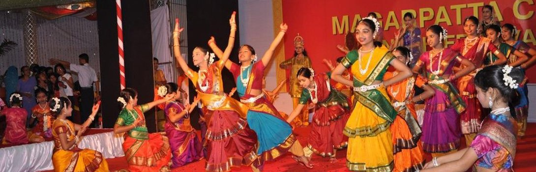 8-A-Geet-Ramayana-with-rhythm-at-the-Magarpatt_1